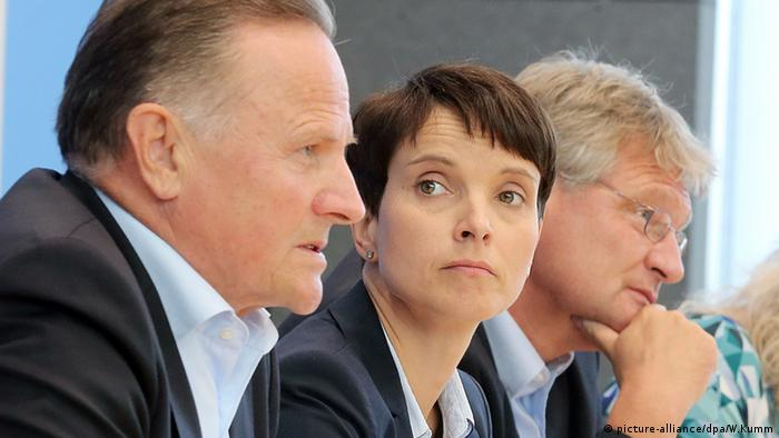 Frauke Petry Jörg Meuthen Bundespressekonferenz BPK Berlin