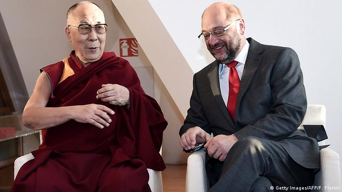 Dalai Lama and Martin Schulz in Strassburg