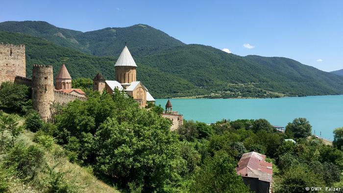 Reisebericht Georgien - Festung Ananuri Totale (Copyright: DW/V. Witting)