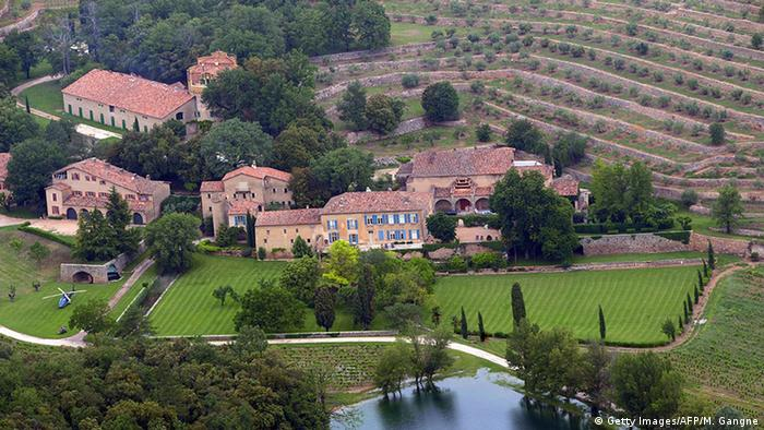 US actors Brad Pitt and Angelina Jolie are relocating to the chateau