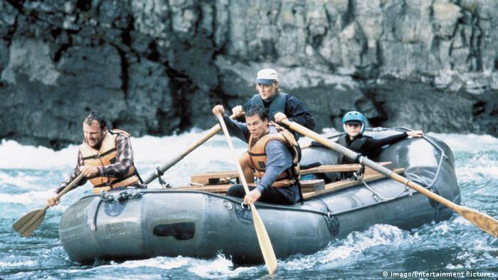 Meryl Streep rudert ein Wildwasserboot. Filmstill aus: Am wilden Fluss (Imago/Entertainment Pictures)