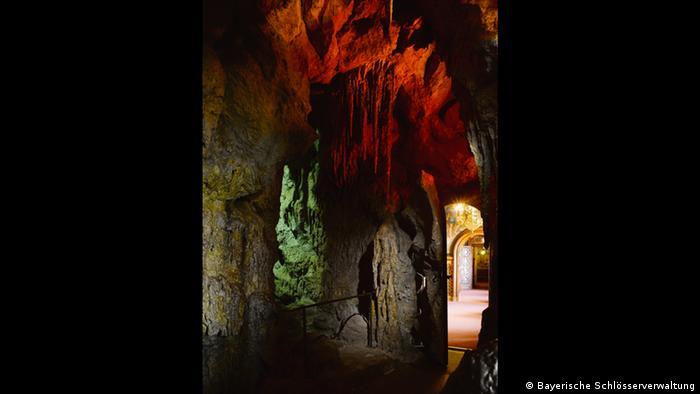 Deutschland Schloss Neuschwanstein Grotte bei Füssen