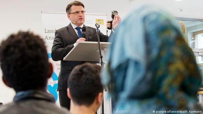 Winfried Bausback speaks in Ansbach