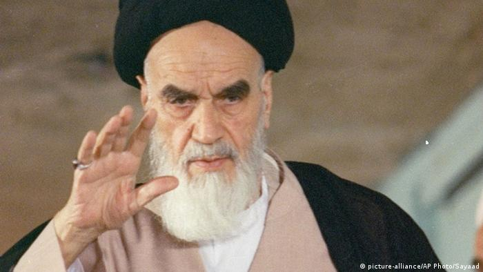 Iran 1988 Ayatollah Ruhollah Khomeini (picture-alliance/AP Photo/Sayaad)