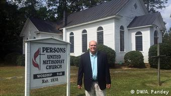 Mark Person in front of his church in Southhampton, Virginia, Copyright: DW/Ashutosh Pandey