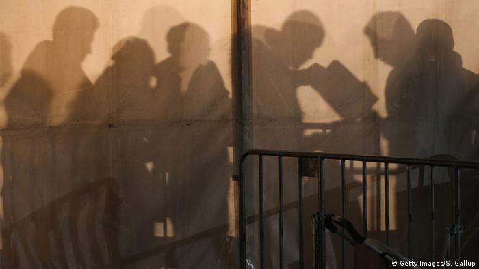 Deutschland Flüchtlinge kommen an der ZAA in Berlin an
