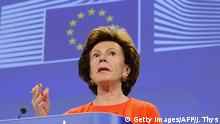 Europe's Digital Agenda commissioner Neelie Kroes talks on the New lower roaming rates coming into effect on July 1 during a press conference at the EU headquarters in Brussels on June 30, 2014. +++ (C) Getty Images/AFP/J. Thys