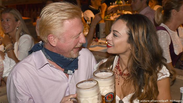 Boris Becker and his wife Lilly at Oktoberfest (picture-alliance/dpa/F. Hörhager)