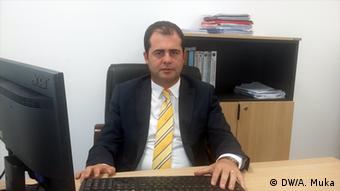 Albanien, Parlamentsmitglied Demokratische Partei - Oerd Bylykbashi (DW/A. Muka)