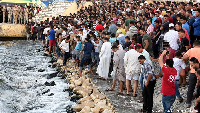 عثر على جثث 26 مهاجراً قبالة السواحل الليبية في الثالث والعشرين من شهر حزيران/يوليو 2016، وفي 21 أيلول/سبتمبر من العام نفسه انقلب قارب يحمل مئات المهاجرين قبالة مدينة رشيد الساحلية المصرية، حيث بلغ عدد القتلى 164 شخصاً وهم عدد الذين تمكنت فرق الانقاذ من انتشالهم خلال الأيام التالية.