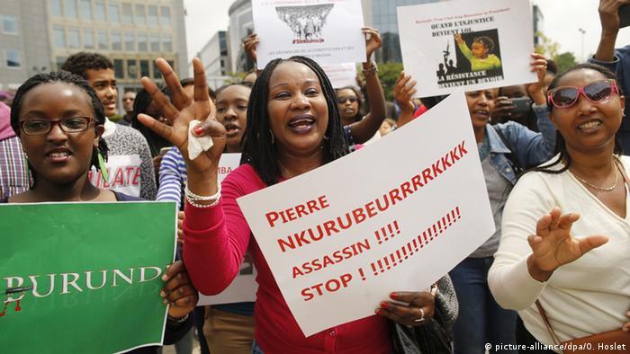 Manifestation contre Pierre Nkurunziza à Bruxelles en 2015 (picture-alliance/dpa/O. Hoslet)