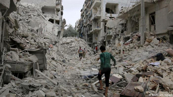 Syrien Aleppo zerstörte Gebäude (Reuters/A. Ismail)