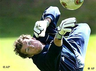 Nationaltorwart Jens Lehmann beim Training (Archiv, Quelle: AP)