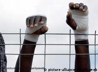 Las imágenes de Ceuta y Melilla en 2005 fueron convincentes: migración habrá, a pesar de las murallas