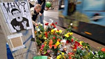 Fremdenfeindlicher Mordversuch in Potsdam Gedenken Blumen