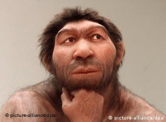 Prototipo de una especie de hombre primitivo en museo de Halle, Sajonia Anhalt.