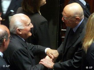 Giorgio Napolitano (r.) mit seinem Vorgänger Oscar Luigi Scalfaro