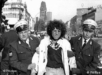 Фото из архива: представитель студнческого движения сопротивления, 1968 год