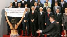 EU Lateinamerika Gipfel in Wien Gruppenbild mit Dame