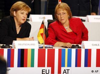 Angela  Merkel y Michelle Bachelet (Foto: Deutsche Welle)