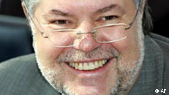 Kurt Beck lacht