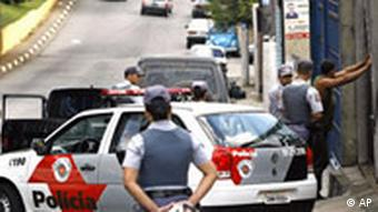 Mafiaterror in Brasilien Polizeikontrolle in Sao Paulo