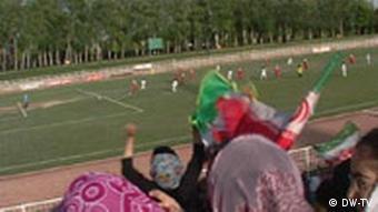 تمرین مشترک تیم دختران و پسران استقلال، موضوعی خبرساز در سال ۱۳۸۷ (عکس از آرشیو)
