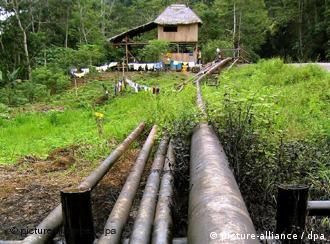 Oleoduto no Parque Nacional de Yasuní, no Equador