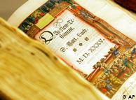 Ejemplar del Nuevo Testamento, traducido por Lutero.