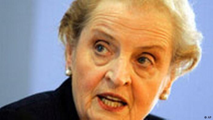 Madeleine K. Albright Außenministerin a.D. in Berlin (AP)
