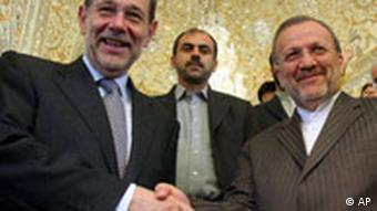 Javier Solana in Iran bei Manouchehr Mottaki