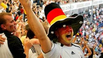 Song And Dance As 2006 World Cup Kicks Off Features Dw