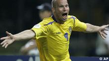 Sweden's Freddie Ljungberg (9) celebrates after scoring in the second half during the Sweden v Paraguay Group B World Cup soccer match at the Olympic Stadium, Berlin, Germany, Thursday, June 15, 2006. Sweden won, 1-0. The other teams in Group B are England and Trinidad and Tobago. (AP Photo/Jasper Juinen) ** MOBILE/PDA USAGE OUT **