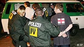 Festnahme von englischen Fußballfans in Stuttgart WM 2006
