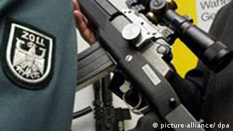 An illegal weapon is confiscated at Frankfurt airport