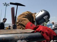 پیوستن اروپا به تحریم نفت ایران میتواند شرایط را برای این کشور دشوارتر کند