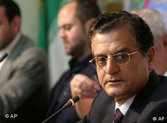 حسن منصور میگوید در شرایط بحران، کشورها میتوانند عوارض ناشی از تحریم نفت ایران را تحمل کنند