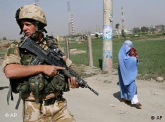 سرباز انگلیسی در کابل