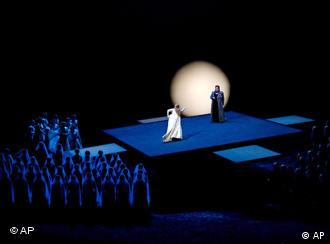 A scene from Lohengrin, performed in 2005