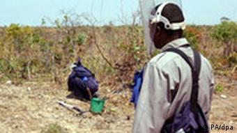 Minensuche in Angola