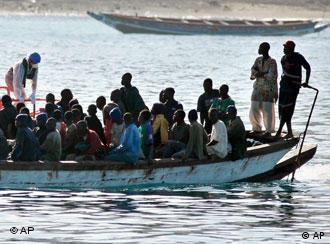 En lo que va del año, 21.500 personas han llegado sin papeles a las Canarias.