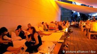 Lying Dinner in Berlin