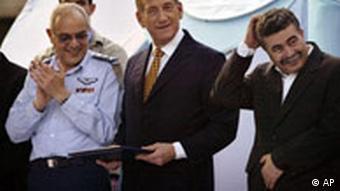 Israel Generalstabschef Dan Halutz mit Olmert und Peretz
