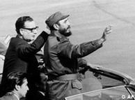 Fidel Castro a su llegada al aeropuerto de Santiago de Chile, el 10 de noviembre de 1971.
