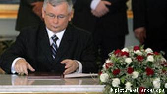 Polens Premierminster Jaroslaw Kaczynski verurteilt Vertriebenenausstellung Archivbild