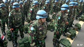 UN Indonesien Truppen bereiten sich auf Einsatz in Libanon vor