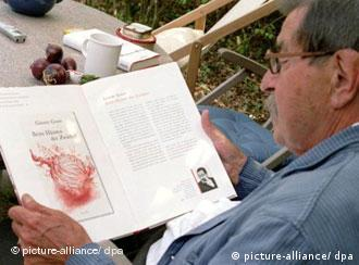 It's all in the book, says Günter Grass