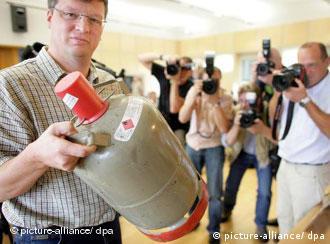 Bujão de gás de 11 litros compunha as bombas