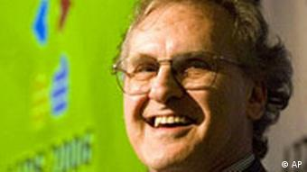 UN Special Envoy for HIV/AIDS in Africa Stephen Lewis