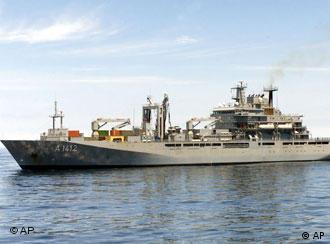 Könnte bald vor der Küste des Libanon kreuzen - das Lazarett-Schiff 'Frankfurt am Main'